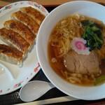 佐野SA・下り フードコート - 醤油ラーメンと餃子