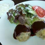 カフェキッサシーユー - 「ツナとポテトの焼きコロッケランチ」(980円)。面白いお料理でした。ポテトサラダのような・・・。