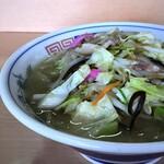 長崎亭 - ◆豚肉の細切れやお野菜たっぷりで、汁は塩味が少し強めかしら。