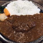 エイト カリー - スパイシーカレーのあべ鷄の煮込みチキンカレー(970円)