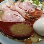 すごい煮干ラーメン凪 - 特製ラーメン(中盛)