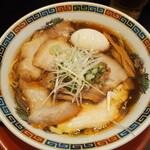 武田中華そば - 料理写真:鶏醤油中華そば チャーシュー増し 煮玉子入り
