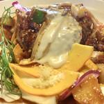 レストランびーばぁ - ハンバーグ・とろけるチーズのせボロネーゼパスタ(\1,380)