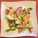 レストランびーばぁ - スモークサーモンのカルパッチョ風ドロップペッパーのせバジルソース(\1,400)