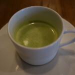 Furansuryouri yaoraryouriten - グリーンピースのスープ