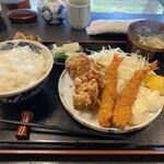 135085310 - 海老・唐揚げ定食 1,000円