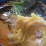 らーめん太郎 - 担々麺を箸で・・・と思ったらブレまくり(汗