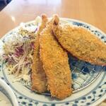 神山町魚金 - ふわふわの新鮮アジフライが4切れ。
