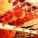 シュラスコ&ビアレストラン ALEGRIA - 熱々ジューシーなお肉を、パレードのようにお楽しみいただけます。