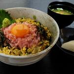 博多割烹 州二郎 - ネギトロ丼 750円