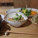 薬膳&米粉カフェ やまのひつじ - おそうざいプレート