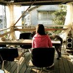 エスケープ - テラス席。色んなイスも可愛い。。。