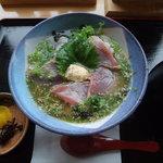 道の駅 ビオスおおがた ひなたや - かつおの味噌茶漬け(お茶漬けをかけた写真)