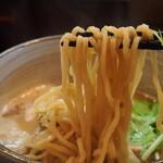 麺処 と市 - 味玉ちゃーしゅーめん(麺)