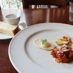 エノテカ・リオーネ - 前菜とパン