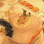 リストランテKubotsu - 『甘エビのマリネ 軽いアーモンドとアマレットの香る 冷たいピュレと共に』見かけはさながらガラス鉢の小さなガーデンです。