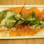 135115370 - サーモンのカルパッチョ(来店時の前菜)・クラシックラクレット