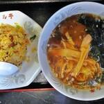 炭火串焼 竜 - 料理写真:ラーメン・小チャーハン