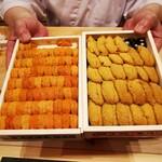 Kagurazaka sushi tamura - 左が馬糞雲丹、右が紫雲丹