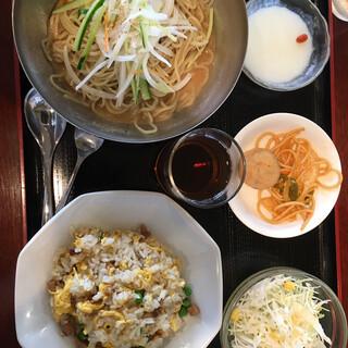 月徳飯店 - 料理写真:
