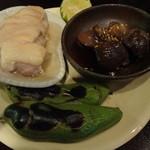 旨酒旬菜 こなから - 丹波地鶏(肝煮、蒸し鶏)