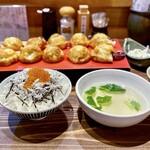 135140347 - 明石焼とイクラ丼セット