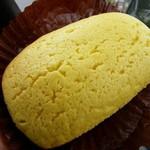 マルエツ - 料理写真:瀬戸内レモンパン・・・見た目の色が爽やかイエロ~!これは目立ちます!