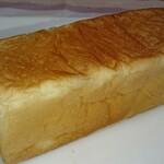 山のパン屋 ダディーズ・ベーカリー - ハニー食パン ハーフ