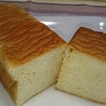 山のパン屋 ダディーズ・ベーカリー - ハニー食パン ハーフ カット