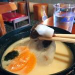 桃太郎茶屋 - 結構なサイズのお餅 甘いものと塩っぱいもの