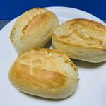コストコ - 説明書通りにオーブンで焼くと、焼き立てのパンの出来上がりです♡