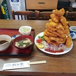 松の家 - モリモリヒレカツ定食