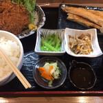 花善 - はな膳(チキンカツ&鮭ハラス焼)