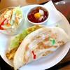 ティーハウス マユール - 料理写真:タンドリーチキンパラタサンド