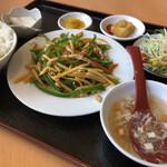 台湾料理 鑫源村  - 料理写真:栄養ランチ 青椒肉絲♪
