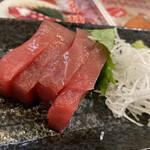 へそ - マグロ(¥300)