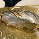 第三春美鮨 - 小鰭 68g 佐賀県太良大浦 今週もナカズミサイズですね。