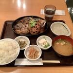 まるとく食堂 - 真鯛のあらだき定食 1,080円(ごはん大盛り(無料)です)