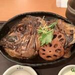 まるとく食堂 - 真鯛のあらだき