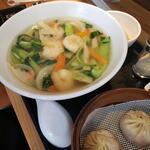 龍香 - 料理写真:えび麺