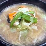 五味八珍 - 野菜の旨みが溶け込んだスープは見事なコクが