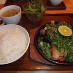 カメハウス - ねぎ塩チキン定食