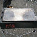 1352433 - ガスコンロと鉄板 オイルを引いた所