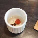 瓢亭 - 梅湯から始まる朝がゆ