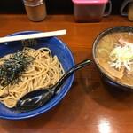 らーめん むげん - 醤油つけ麺(830円)
