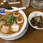 大阪ふくちぁんラーメン - 名物ふくちゃんラーメン 上ロース豚丼セット