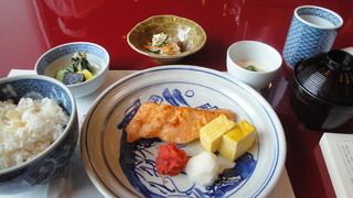 貴舟 - 焼き魚定食(1200円)