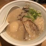 TOKYO豚骨BASE MADE by博多一風堂 - △810円