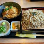 どんどん亭 - 料理写真:ミニ丼ランチ