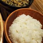 Bikkuridonki - ライスと布海苔の味噌汁